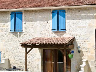 Le Breuil Bleu - Barbezieux-Saint-Hilaire vacation rentals