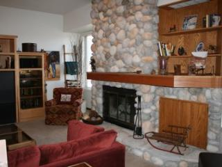 Stonehill Townhome 102 in Ketchum: Great Location at Zenergy! - Ketchum vacation rentals