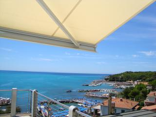 Tuscan seaside apartment with balcony and sea views, sleeps up to 7 - Castiglioncello vacation rentals