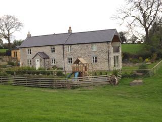 Ty Aled, Cefn Berain, Denbigh, Conwy. Hot tub! 5* - Llannefydd vacation rentals