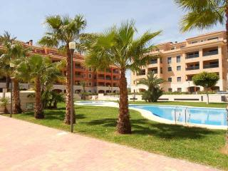 Jardinas RED 1bedroom,5 min to beach and citi,WIFI - Denia vacation rentals
