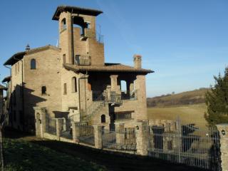 villa in stile medievale - Varzi vacation rentals
