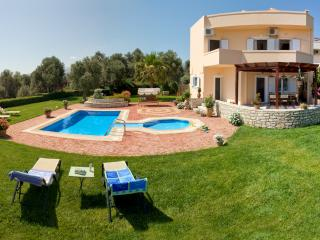Villa Elisabeth - Quiet getaway heaven! - Rethymnon Prefecture vacation rentals