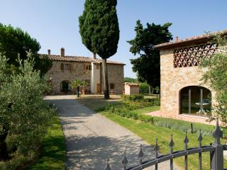 Gli Spillocchi - Casa Le Rose - Gambassi Terme vacation rentals