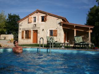 Le Regnac - Vanxains vacation rentals
