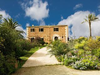 villa can peppa - Campos vacation rentals