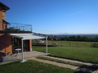 Casa Aiva in campagna, Pinerolo Torino - San Secondo di Pinerolo vacation rentals