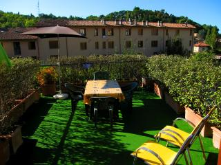 Terrazza Verde. Car Unnecessary. Spoleto Centre - Spoleto vacation rentals