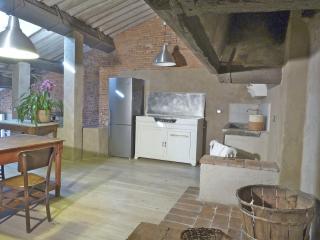 La Soffitta di Via della Stufa - Lucca vacation rentals