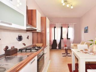 Charming apartment LaLe - Podstrana vacation rentals