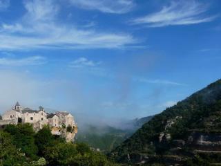 Cantobre Castel Griffon Gite - Cantobre vacation rentals