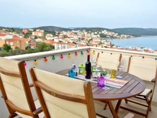 Seaview apartment + ***Free boat trip*** - Okrug Gornji vacation rentals