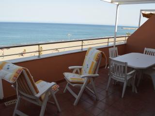 Beachside penthouse with stunning sea views - Roquetas de Mar vacation rentals
