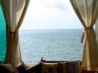 Exquisite 3bedroom condo beach front with pool - Puerto Morelos vacation rentals