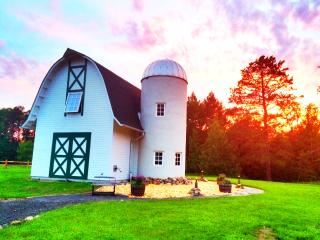 The Green Gate Barn Home - Biwabik vacation rentals