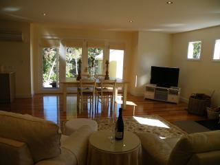 Krum 1 Cottage - Daylesford vacation rentals
