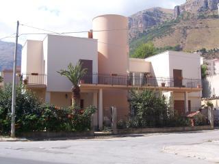Villa GELVI - Castellammare del Golfo vacation rentals