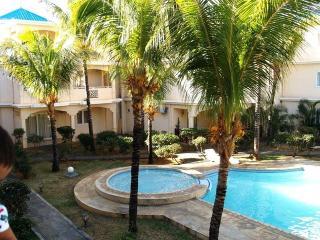 5 Mins walk to the BEACH - Flic En Flac vacation rentals