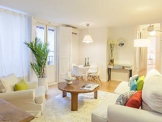 Calle Mayor I - Madrid Area vacation rentals