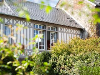 Luxury Honfleur center apartments and b&b - Gonneville-sur-Honfleur vacation rentals