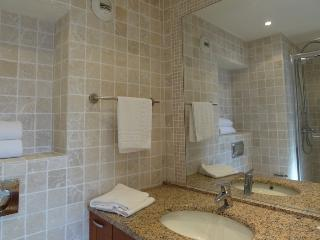 Comfy sea view holiday apartment in Antibes - Juan-les-Pins vacation rentals