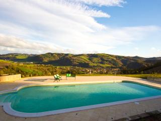 Special Price September-Cal Fattore, country house - Frontino vacation rentals