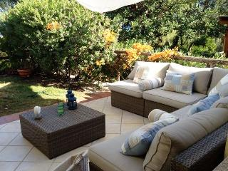 Villetta Sofia - Cosy holiday home on two floors, with separate entrances, private garden and sea view - Chia vacation rentals