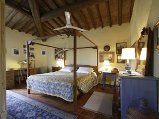 Candida's Chianti House - Martina Room - San Casciano in Val di Pesa vacation rentals