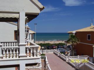 large Beach apt, Guardamar - Guardamar del Segura vacation rentals