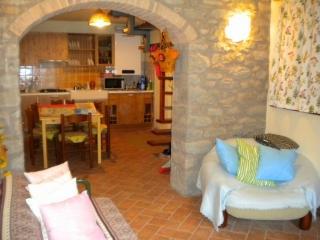 Delizioso appartamento in pietra - Pievepelago vacation rentals