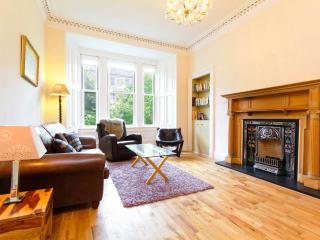 Stunning Central High Quality 2 Bedroom Apartment - Edinburgh vacation rentals