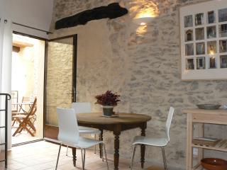 La Remise - Saint-Saturnin-les-Apt vacation rentals