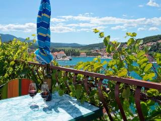 Apartment Jelsa - Jelsa vacation rentals