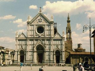 Apartment in in Santa Croce area of Florence with free wi-fi - Florence vacation rentals