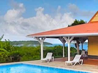 * Belle villa avec piscine privée - Sainte-Anne vacation rentals
