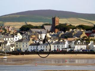 Isle of Man Beach Holiday Cottage golf nearby - Peel vacation rentals