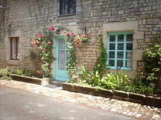 Le Marronier - Exoudun vacation rentals