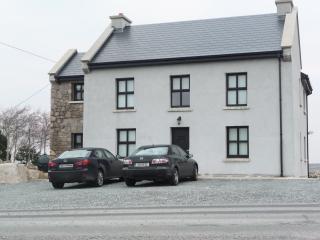 Tigh Anraí Mór, Carraroe, Co. Galway - Gaeltacht - Carraroe vacation rentals