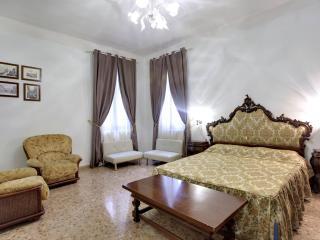 Queen House Garden - City of Venice vacation rentals