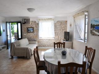 Pinta Lumbarda (5 per.) - Lumbarda vacation rentals