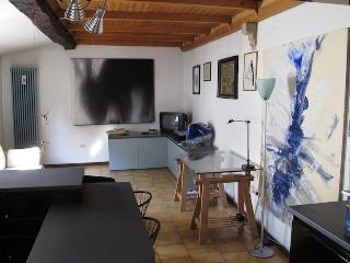IL BALCONE holiday house PARMA (wifi) - Parma vacation rentals