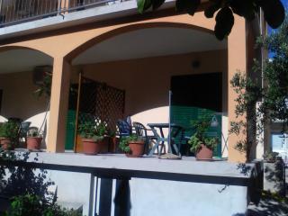Apartmani Anita 1 - Hvar vacation rentals