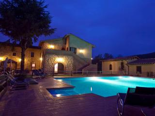 Farmhouse Bed and Breakfast in breathtaking Tuscany countryside, features shared pool and gardens, wi-fi access - San Gimignano vacation rentals