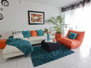 Luxury in the best location - San Salvador vacation rentals
