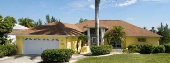 Front entrance - Villa Manatee - Cape Coral - rentals
