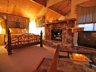 Yosemite Lodge - passes to private beach clubs - Lake Arrowhead vacation rentals