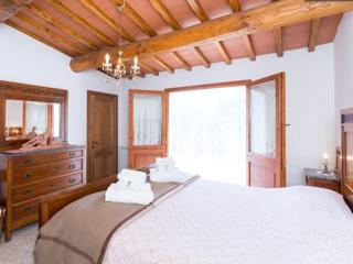 A suite in the sun of the green hills of the Chianti area - Greve in Chianti vacation rentals