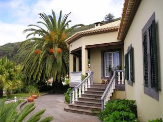 Mar Turqusa Guest house 5/09 - Arco da Calheta vacation rentals