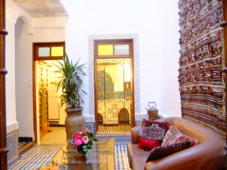 DAR SIENNA -  FAB ARTIST'S HOUSE - SLEEPS MAX 7 - Fes vacation rentals
