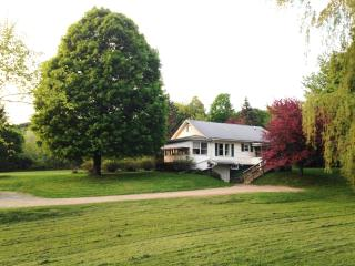 Charming VT 3 brm.  Close to mtns, lake and BTV - Burlington vacation rentals